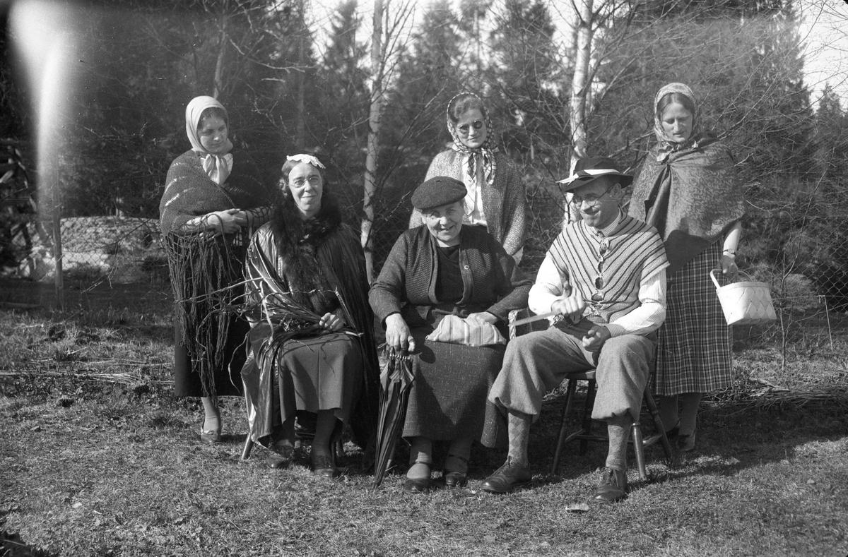 Gruppebilde. Johan Granly nr. 2 fra høyre.