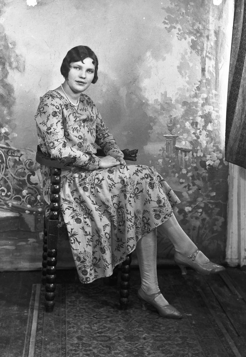 Portrett. Margit Nilsen. Eidsvoll Verk