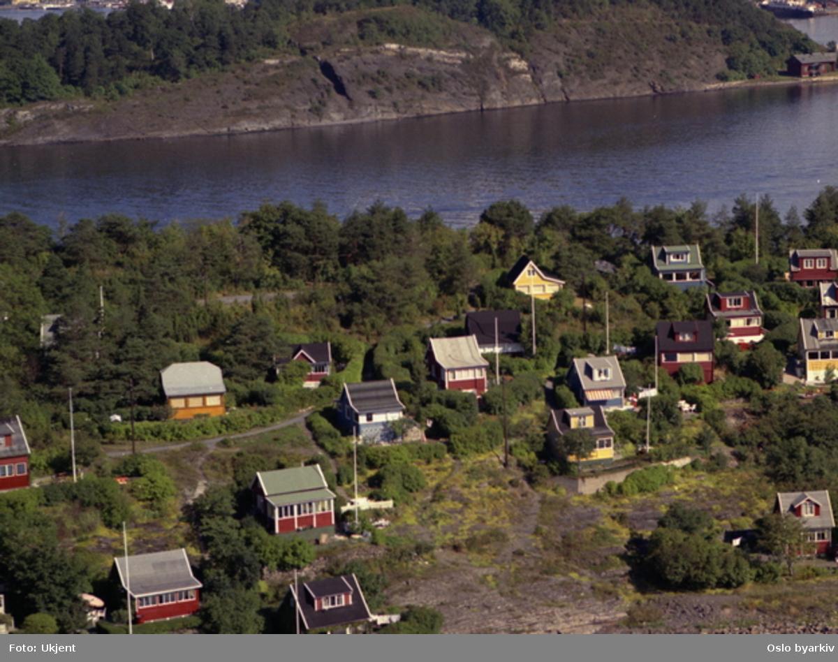 Bleikøya, med Hovedøya i bakgrunnen (Flyfoto)
