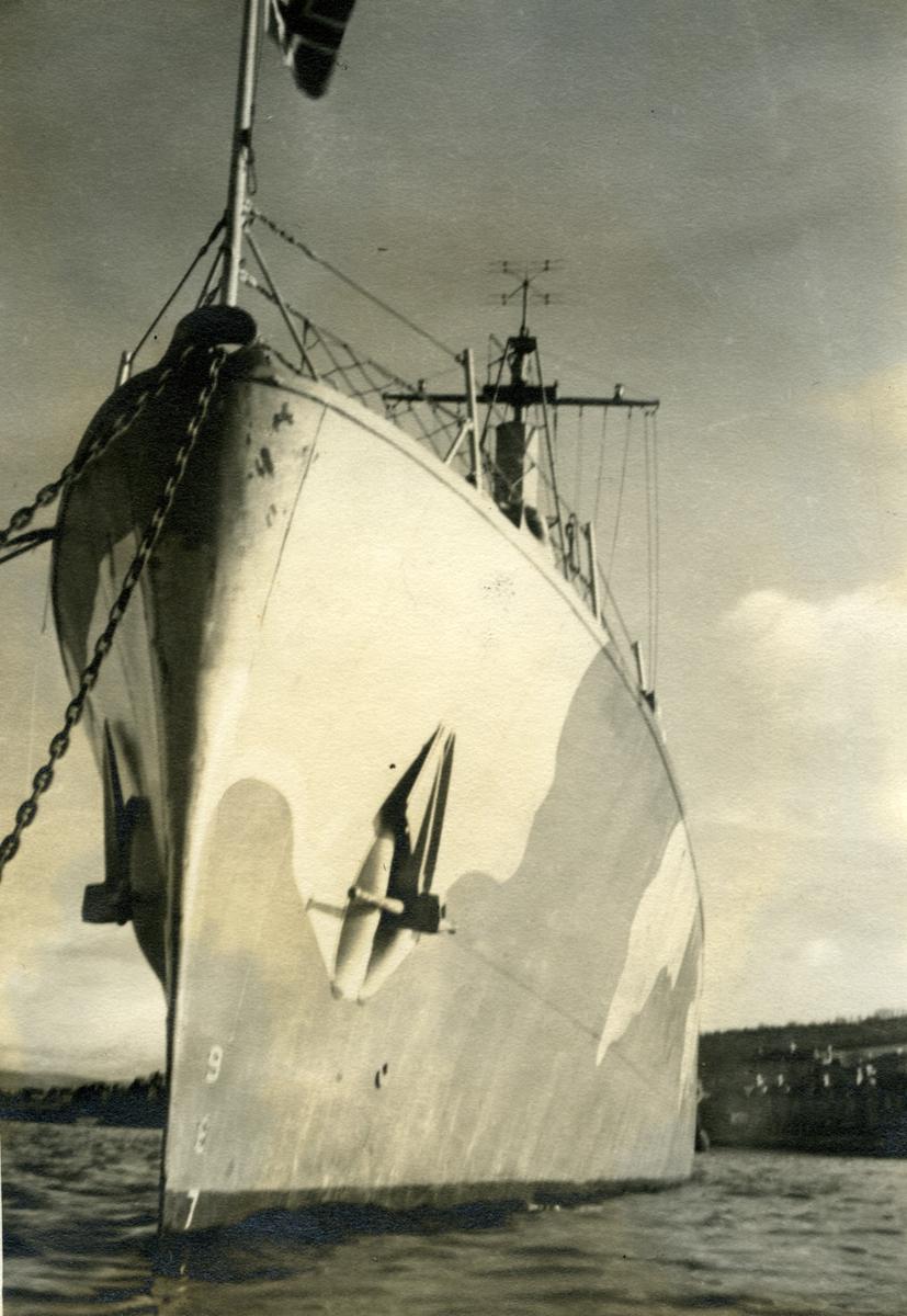 Album Ubåtjager King Haakon VII 1942-1946 Rothesay våren 1943.