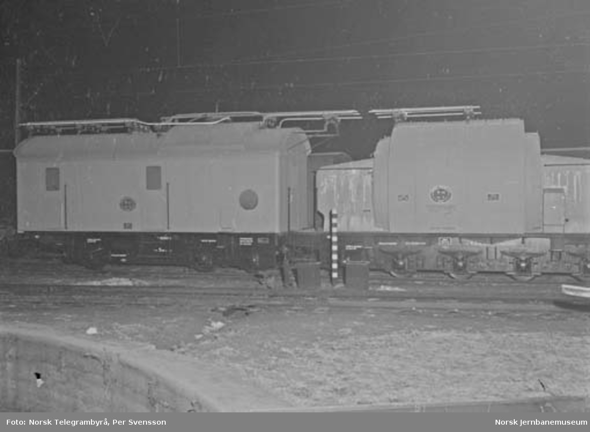 Nye omformervogner til NSB : litra R102 nr. 1 og R103 nr. 1
