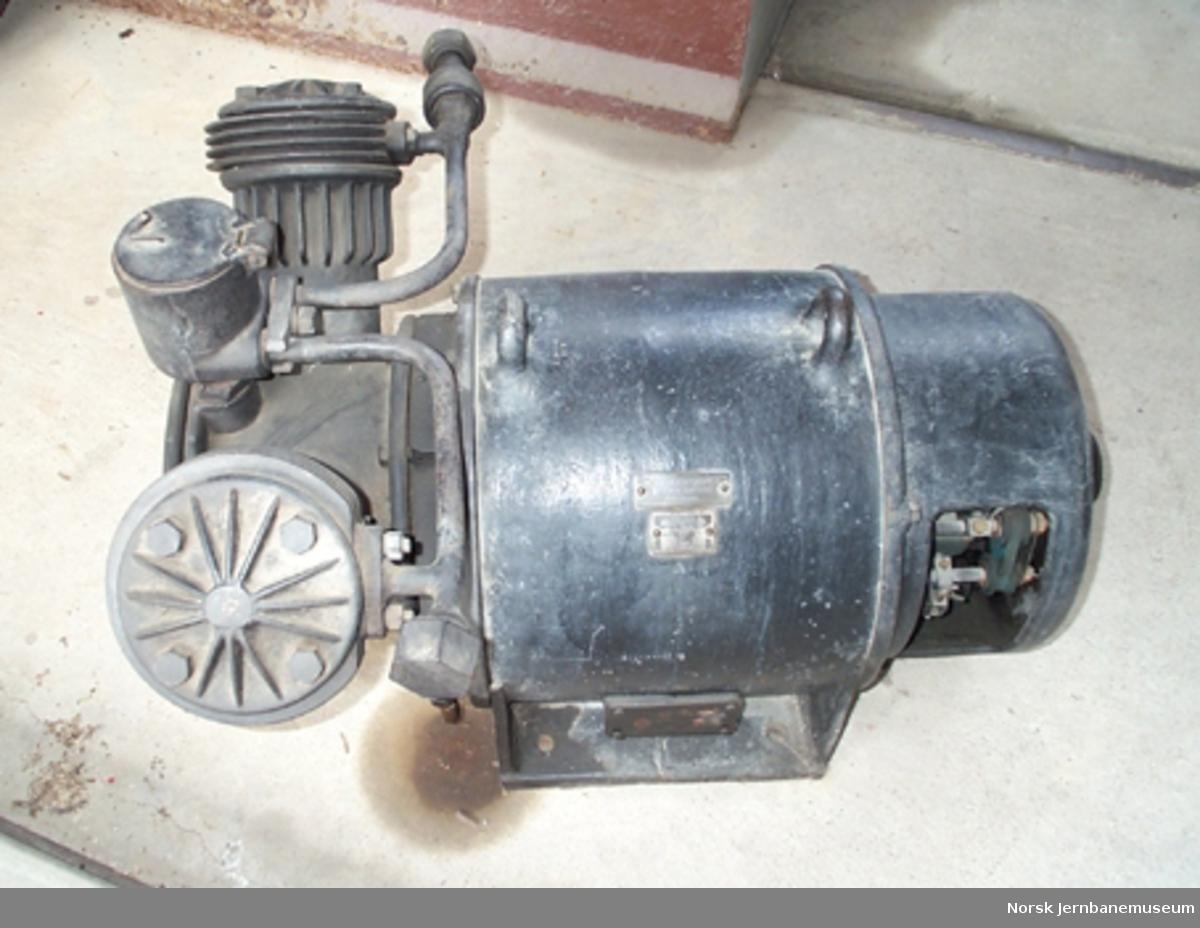 Kompressor fra elektrisk lokomotiv type El 2 nr. 2024