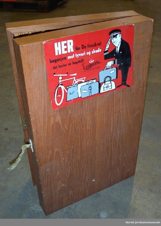 Billettskap for rullebilletter : med utslagbar fløydør
