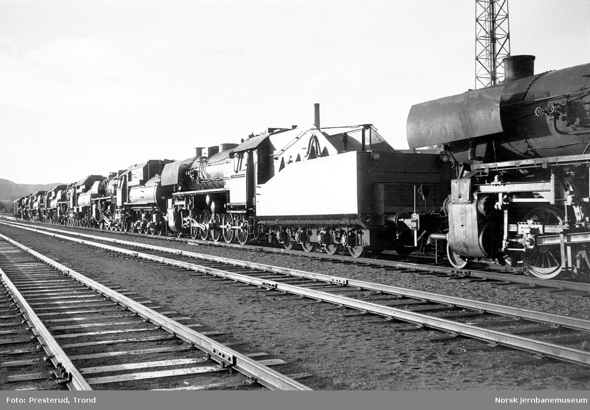 Damplokomotiv type 63a nr. 4839 og andre hensatte lokomotiver