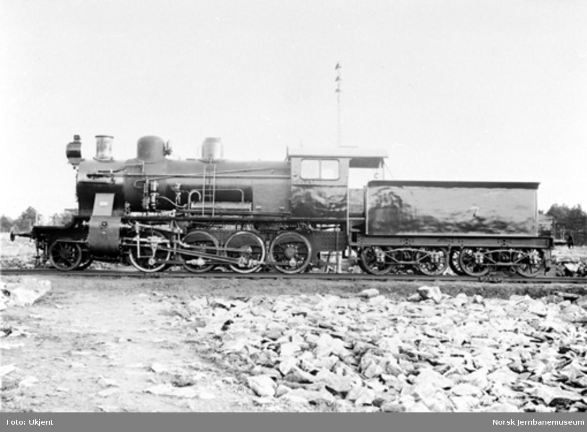 Leveransefoto av damplokomotiv type 24c nr. 405 ved levering fra Nydqvist & Holm i Trollhättan