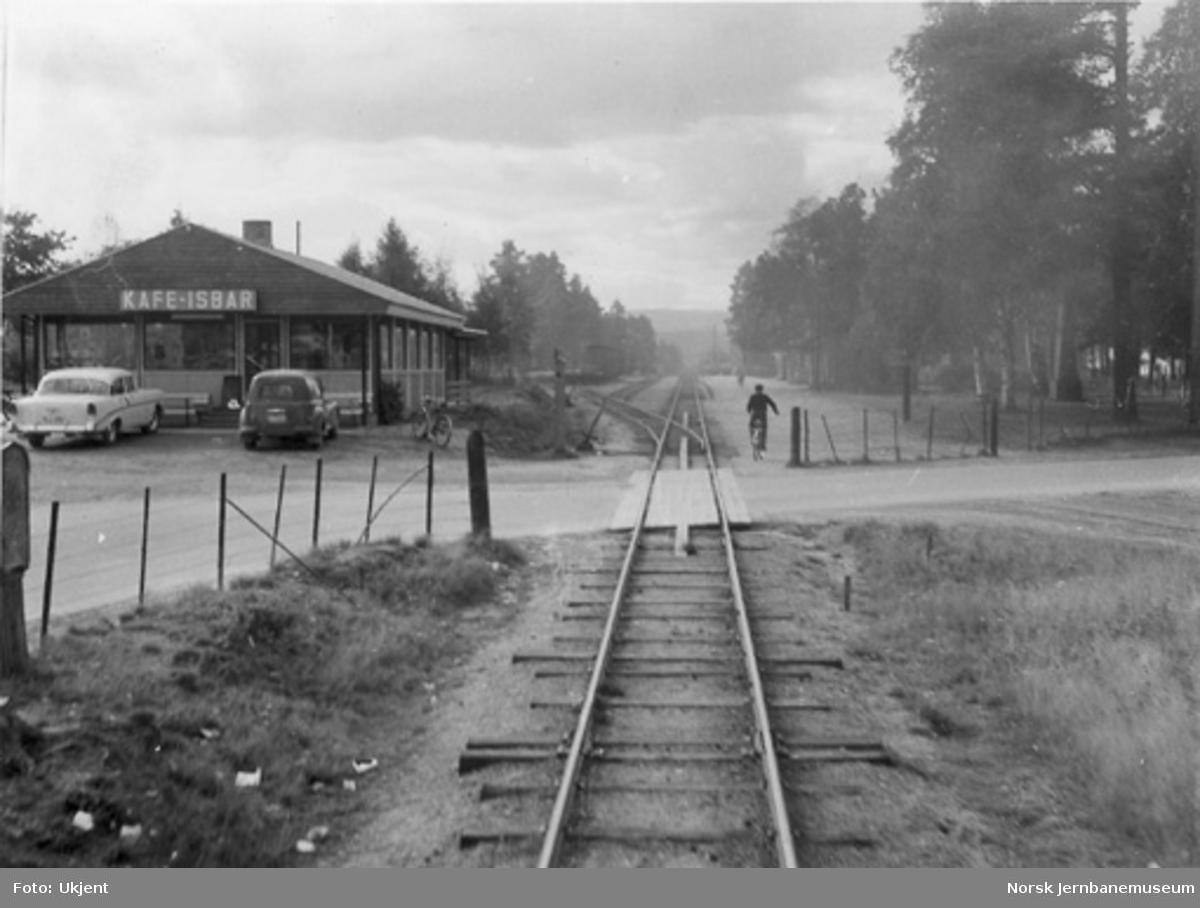 Innkjøring til Evje stasjon fra nordsiden