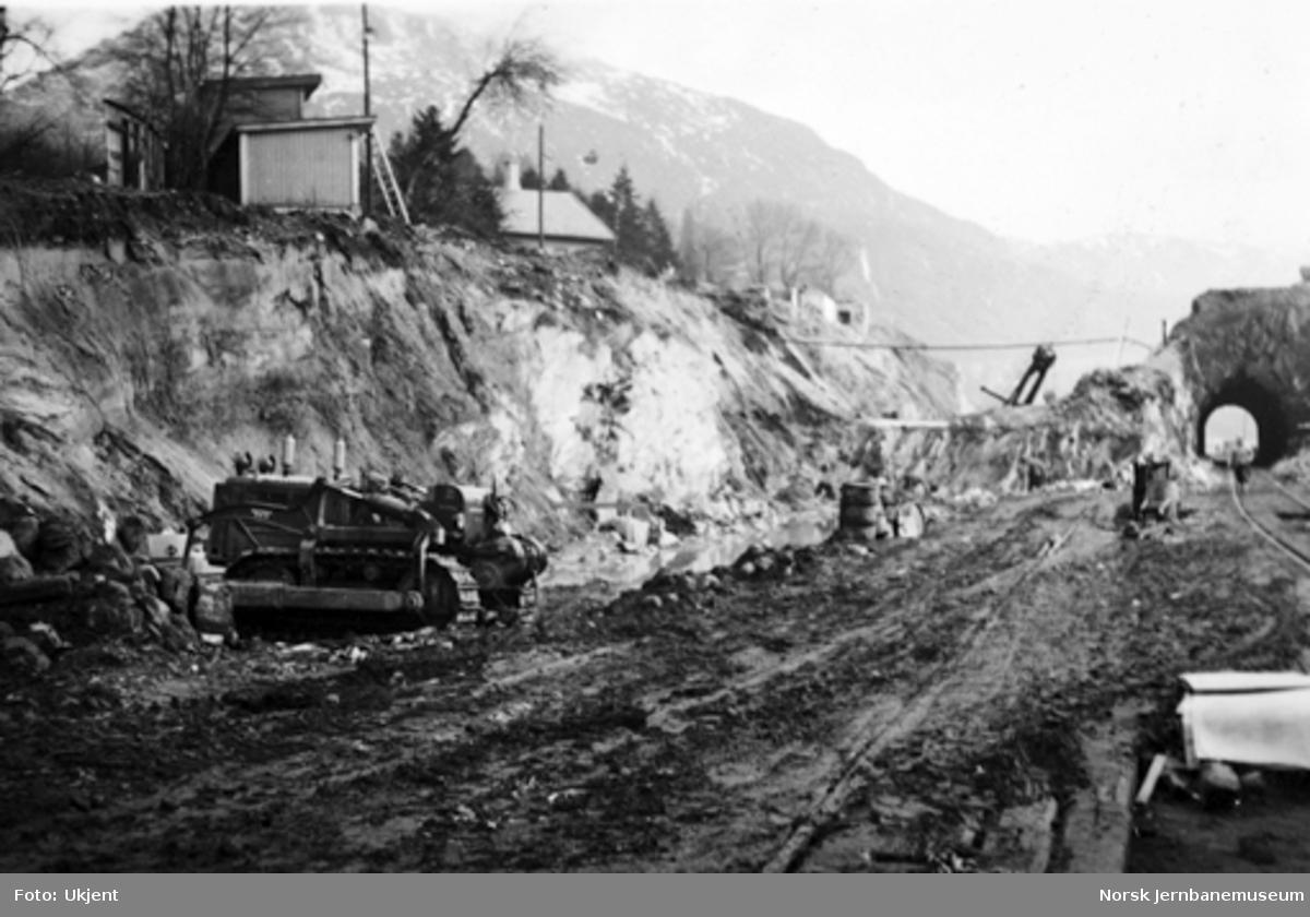 Bergen stasjon : fjellet ved Sejersberget tunnel under bortsprengning