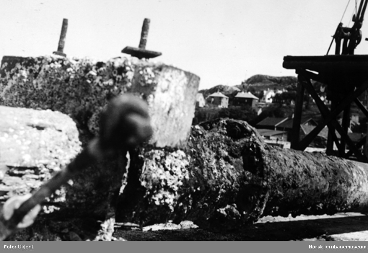 Bru over Lundeelva : gammel støpejernssøyle