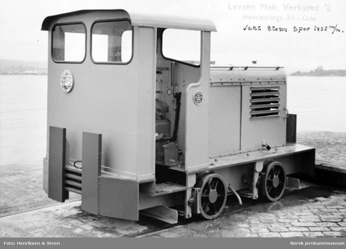 Levahn 8 tonns diesellokomotiv til Fredrikstad mek. verksted, normalspor, ferdig til levering