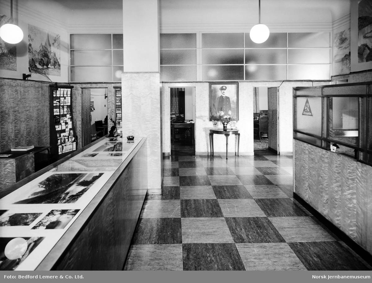 Interiørbilde fra NSBs reisebyrå i London