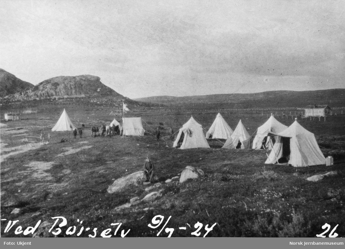 Jernbanestikking i Finnmark : leir ved Børselv