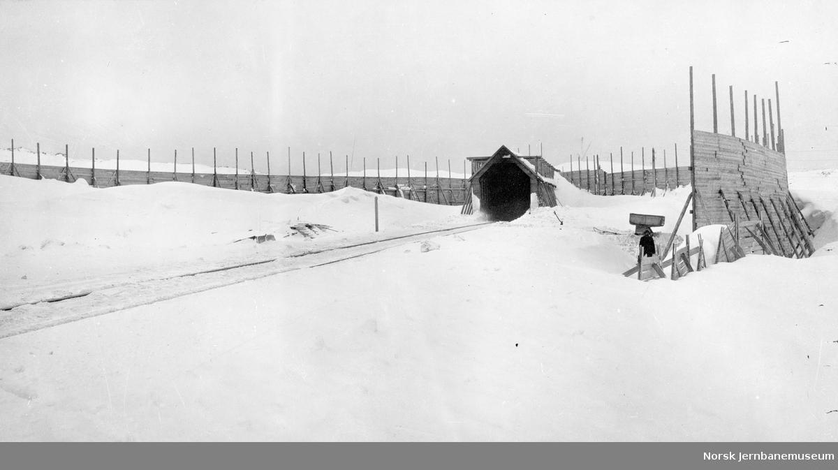 Snøskjermer og snøoverbygg ved km 40,6